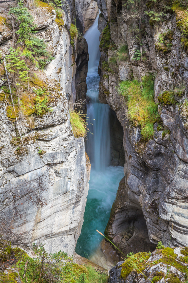 magline-canyon-jasper-waterfall
