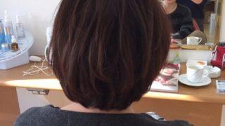 髪を伸ばすためにちょっと切ってちょっと動かして(^^♪