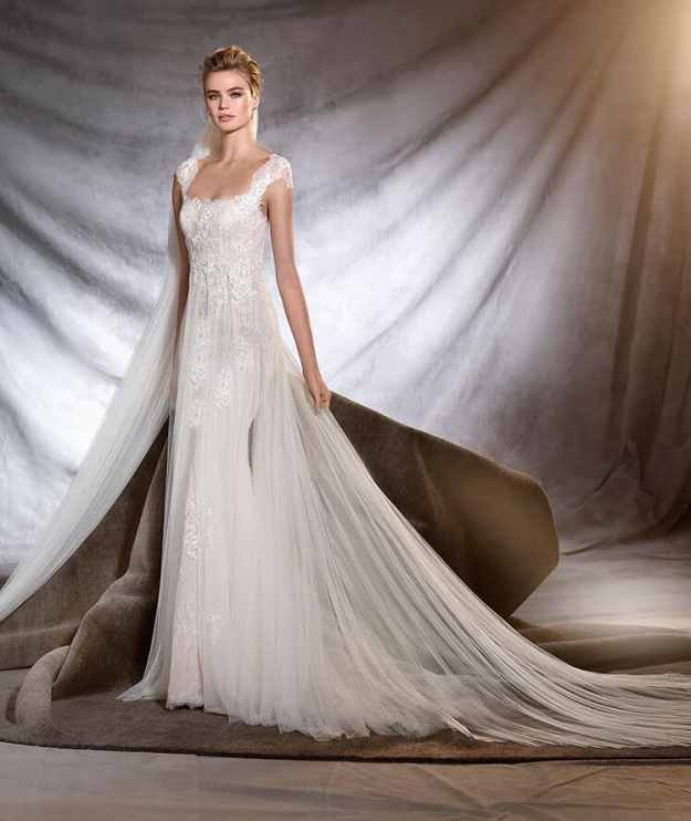 OASIS - Pronovias 2017 Collection