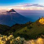 インドネシア・ジャワ島のムラピ山が噴火!相次ぐ噴火との関連はあるのか?