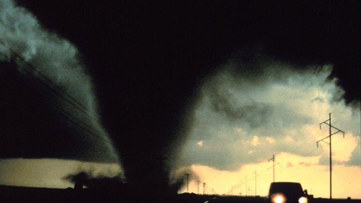 【テネシー州竜巻】都市部を直撃したトルネードの被害や風速は?なぜアメリカで多く発生するのか