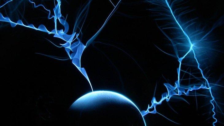 【眼内閃光】目を強くつぶると光が見えるのはなぜ?虫が飛んでいるような感覚は要注意!