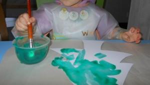 Activité peinture - bébé trempe