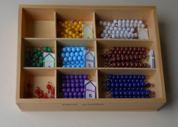 Barrettes de perles colorées Montessori