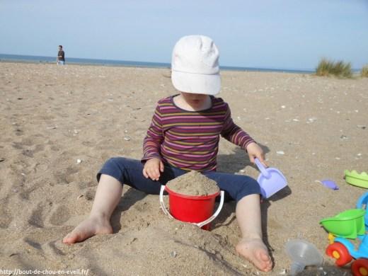 Bout de chou à la plage