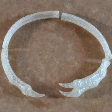 4 partes de um colar.