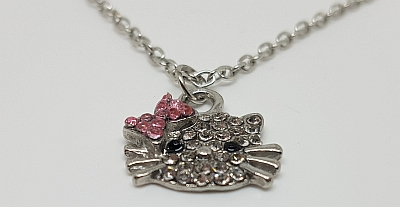 Collier Hello Kitty detail