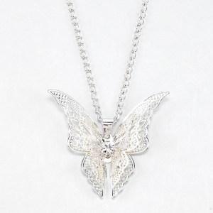 Collier pendentif papillon