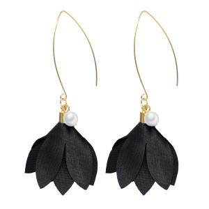 Boucles d'oreilles perle et fleur noir