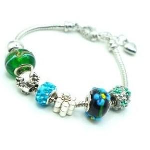 Bracelet charms perles fleuries