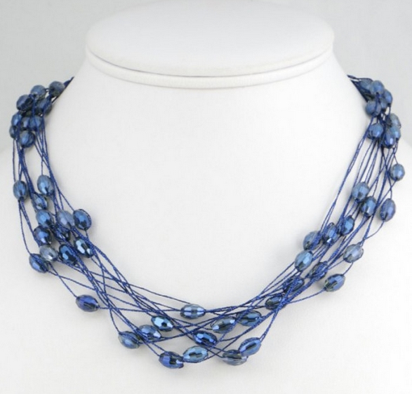 Collier multirangs cristal bleu