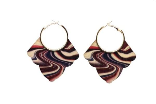 Boucles d'oreilles bois courbes colorées