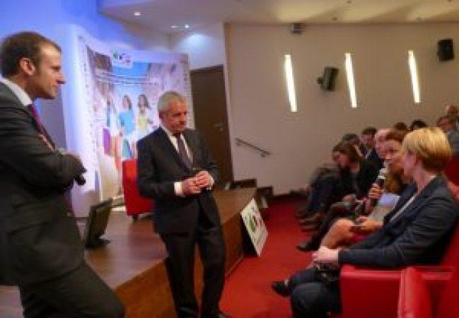 Francis Palombi en compagnie d'Emmanuel Macron. Le thème : l'avenir du commerce indépendant.