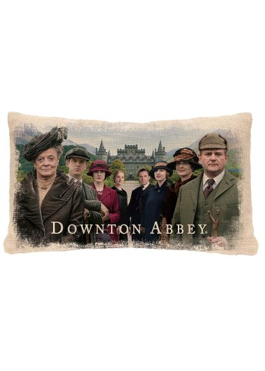 DowntonCast_12x20PillowWovenseason5HighclereAbbey2