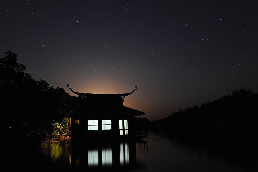 The night sky over Mandina Lodges before the supermoon rose in the sky