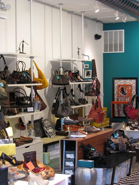 https://i1.wp.com/boutiqueville.com/wp-content/uploads/2008/12/drshoes-img_0668.jpg
