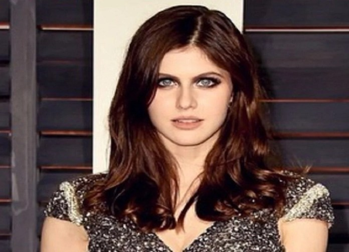 Confirmed: Zac Efron and Alexandra Daddario Are Seeing Each Other