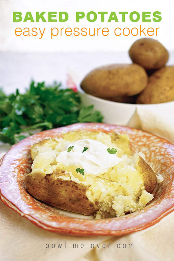 Step by step directions to make baked potatoes int he pressure cooker that are fluffy