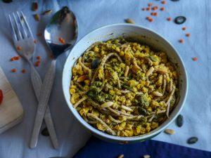 L1050853 LR 51 300x225 - Wie ihr eure Pesto Pasta gesund und nährstoffreich macht (in nur 5 Minuten!)