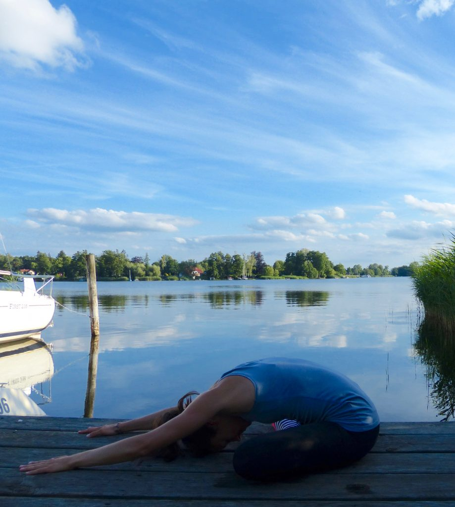 L1150015 919x1024 - Abendritual: Besser schlafen durch Yoga