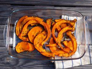 L1050853 LR 98 300x225 - Herbstliche Bowl mit Ofengemüse und Kartoffelpüree