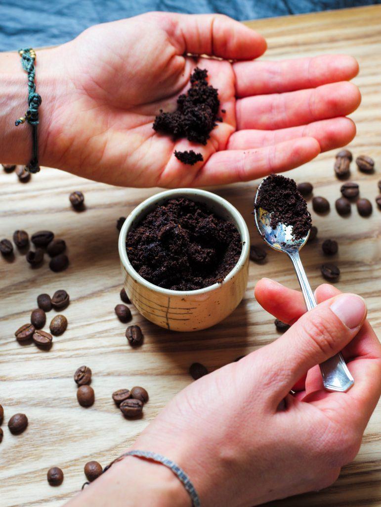L1050853 LR 153 771x1024 - Natürliches Kaffeesatz Peeling: Samtweiche Haut