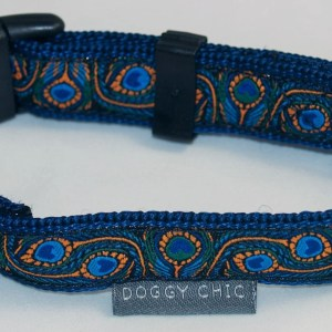 Peacock feathers dog collar
