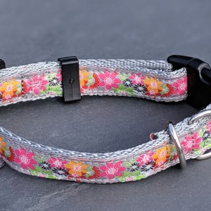 pink flowers collar for your dog