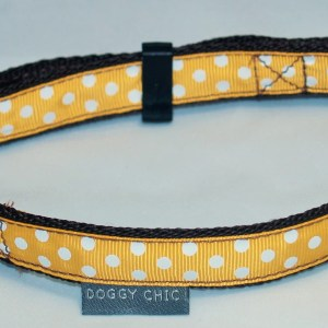 Ochre collar for your dog