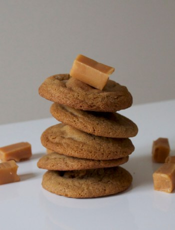 gingerbread cookies with caramel filling