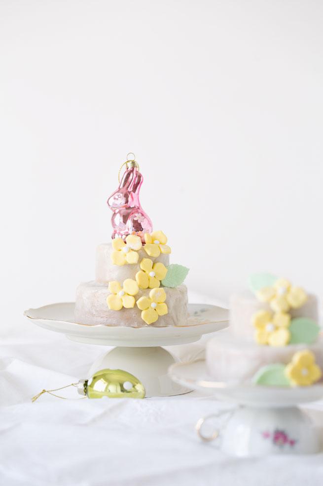 lemon poppyseed cakes