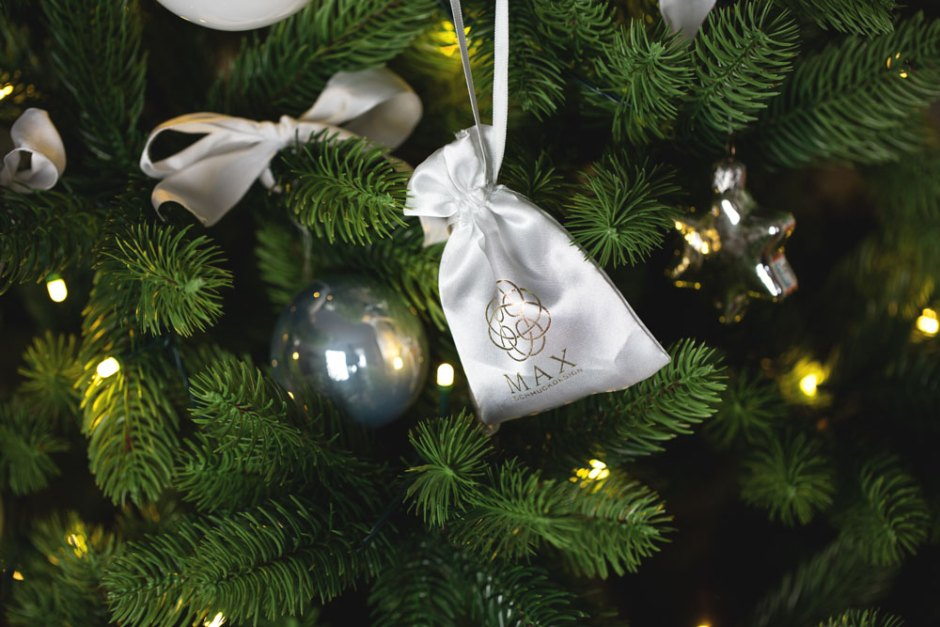 Christmas Giveaway Max Schmuck Design