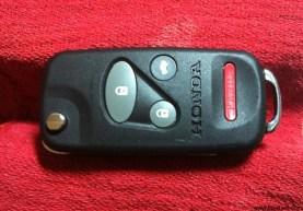 Flip key stowed