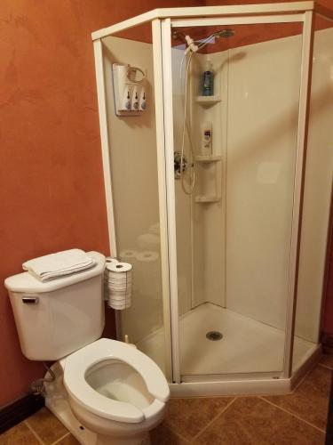 Bear Room (Room #6) Bathroom