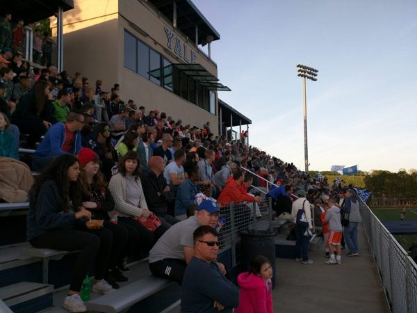 Elm City Express crowd