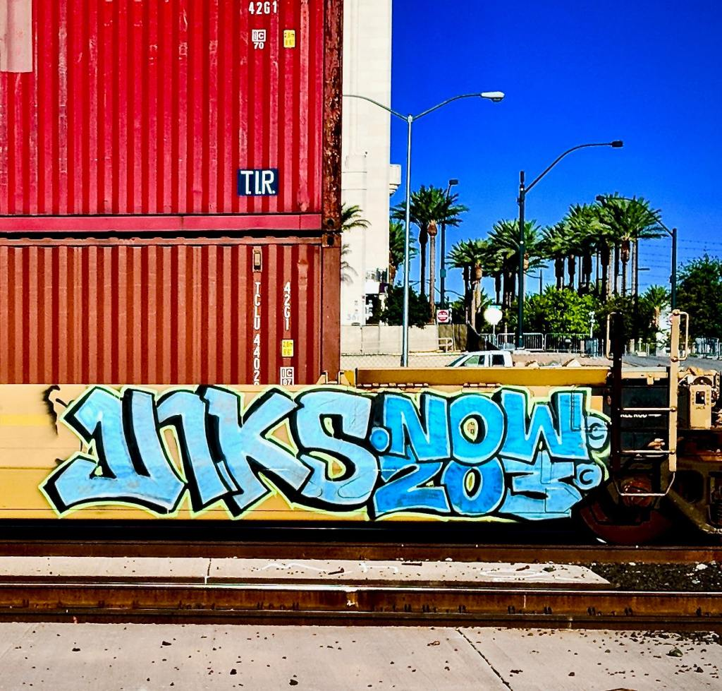 U1KS Now 203 graffiti