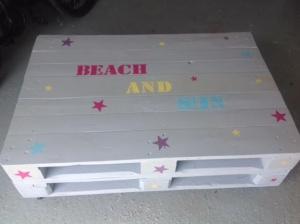 table basse en palettes peintes