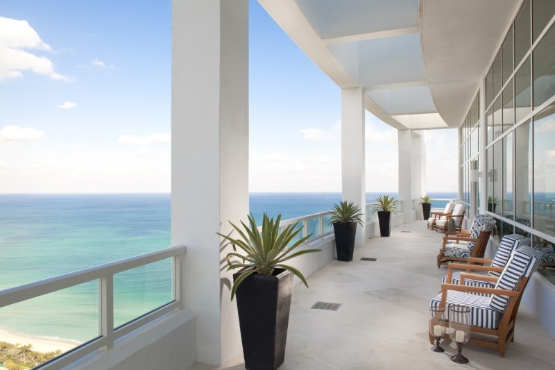 florida beach house kitchens