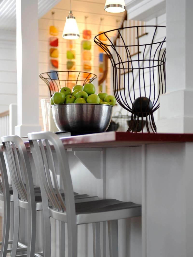 light over kitchen table