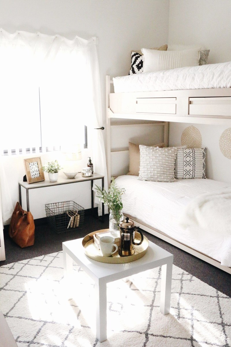 simple country style bedroom