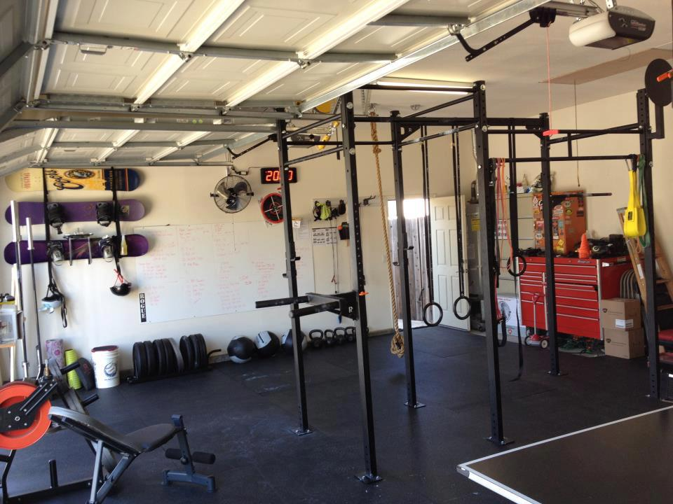 Basic Crossfit garage gym setup