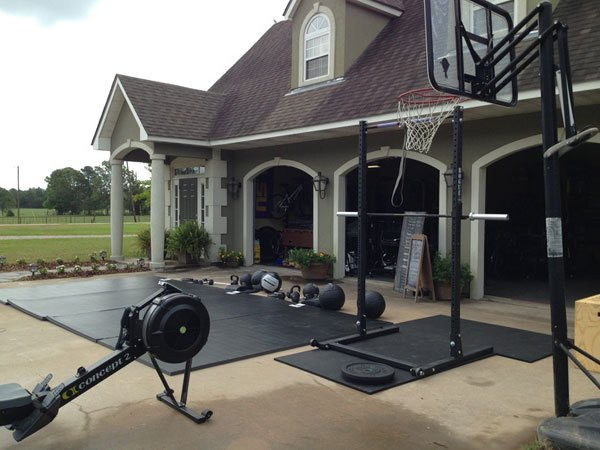 crossfit garage gym awesome home setups ideasfront of garage crossfit gym crossfit outdoor assault course