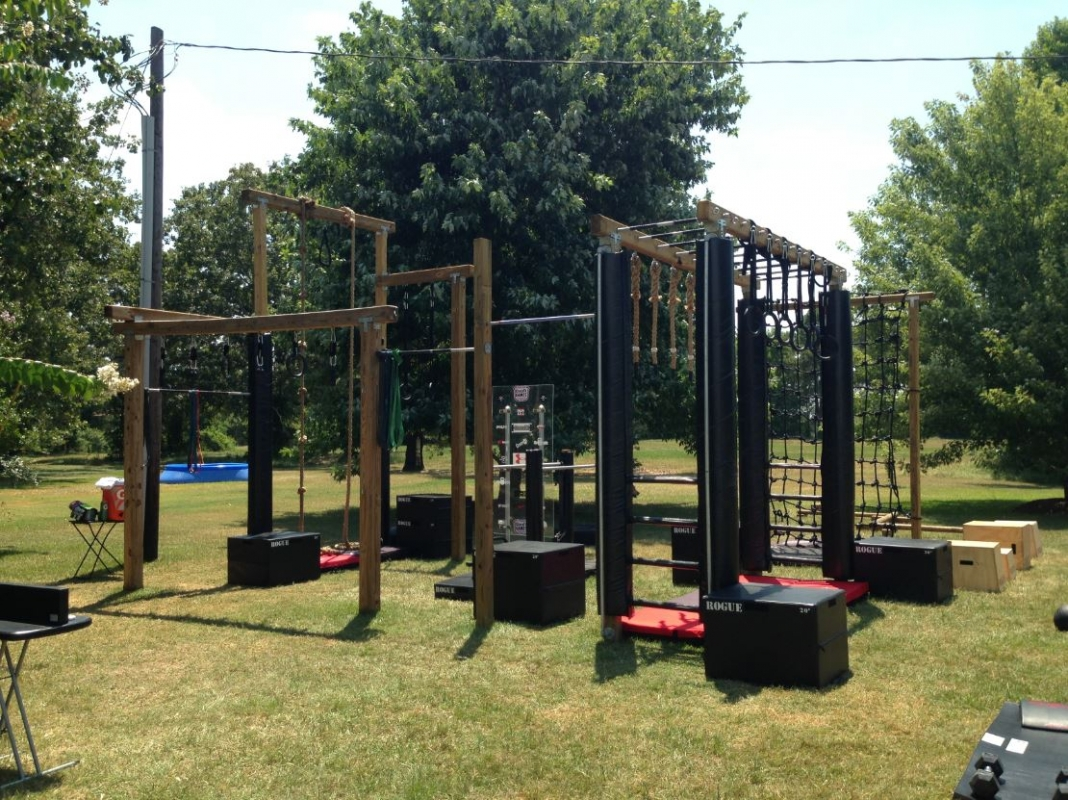 Crossfit outdoor assault course