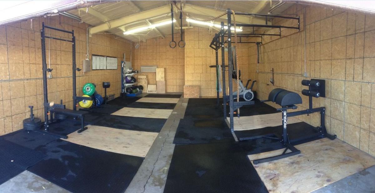 Large Crossfit garage setup