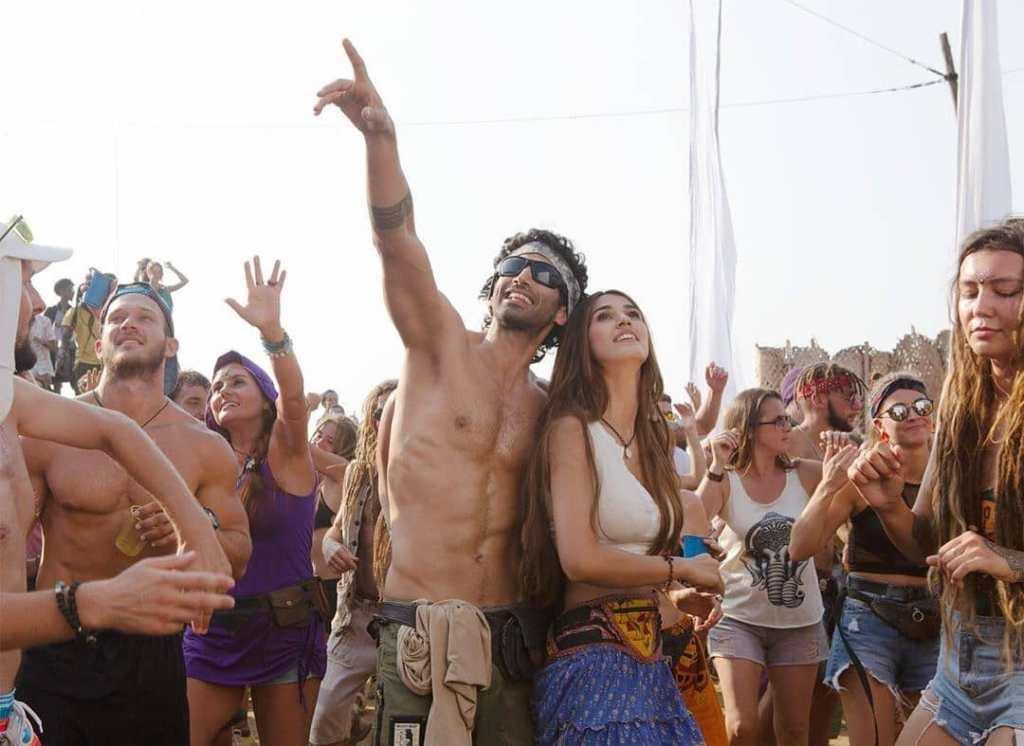 Disha Patani & Aditya Roy Kapur Shoot A Steamy Underwater Scene In Goa!