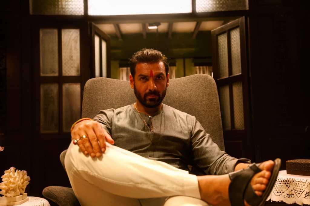 The Makers Of MUMBAI SAGA Shares The First Look Of John Abraham