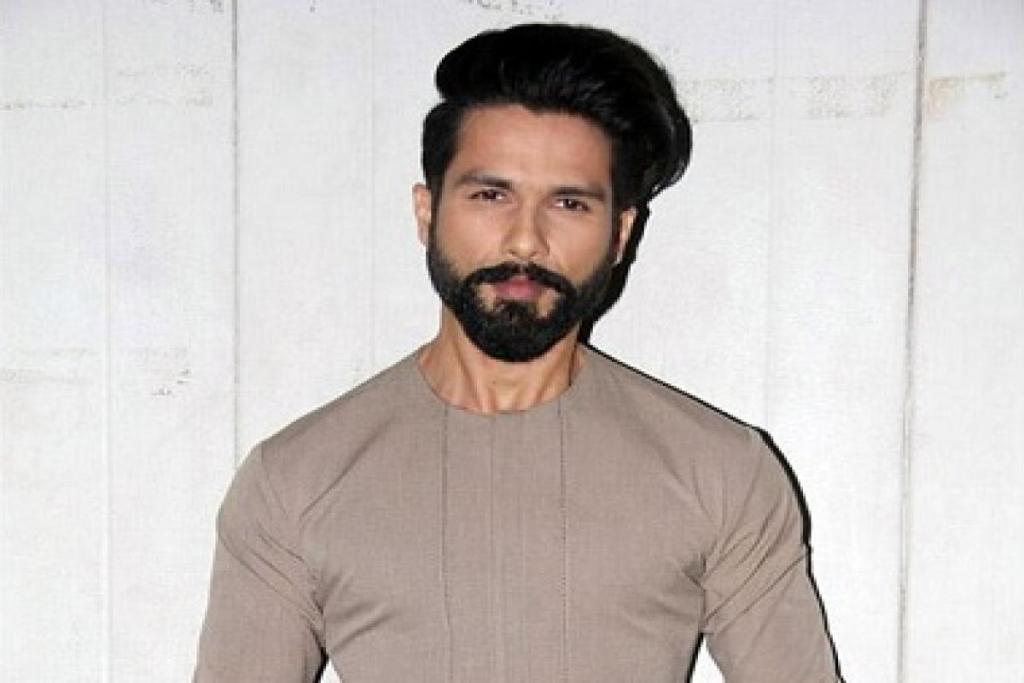 Post Lip Injury Shahid Kapoor Resumes His Chandigarh Schedule For JERSEY