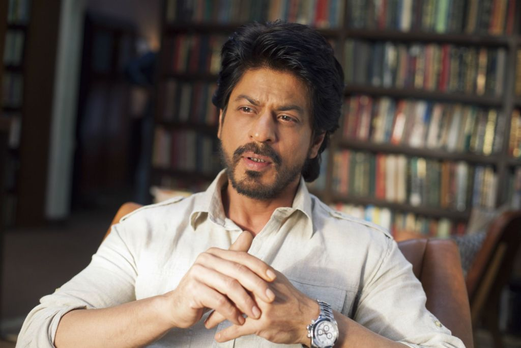 CoronaVirus Outbreak: Shah Rukh Khan Spreads Awareness In A Unique Way, Watch Here: