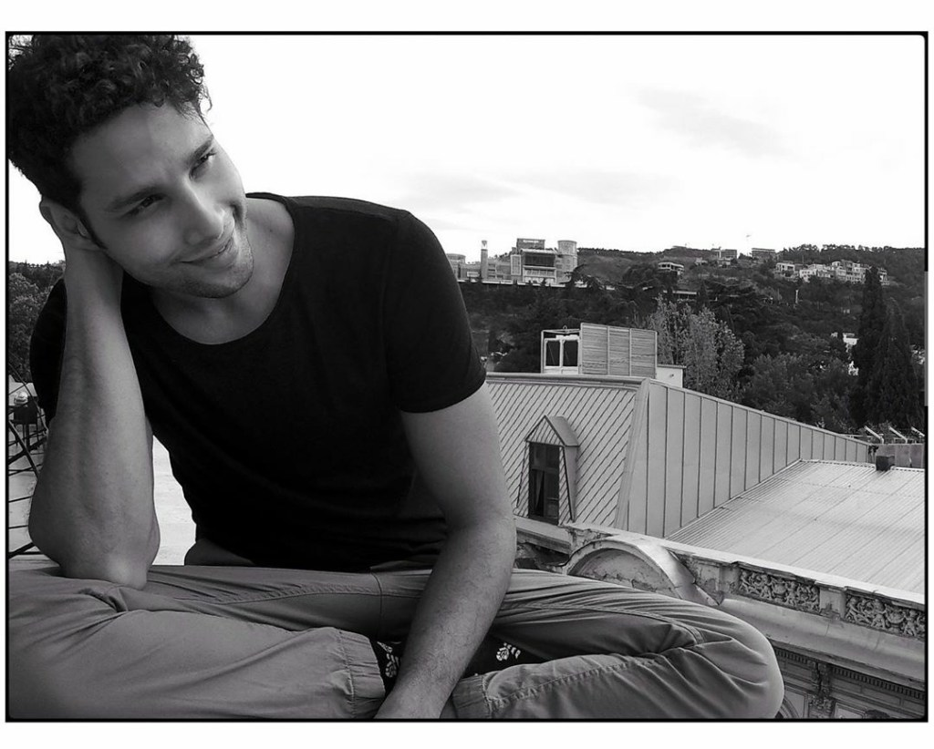 Siddhant Chaturvedi Brings His Highly Popular 'My Notes' To Life With His New Video, 'Dhoop'. Out nlNow!