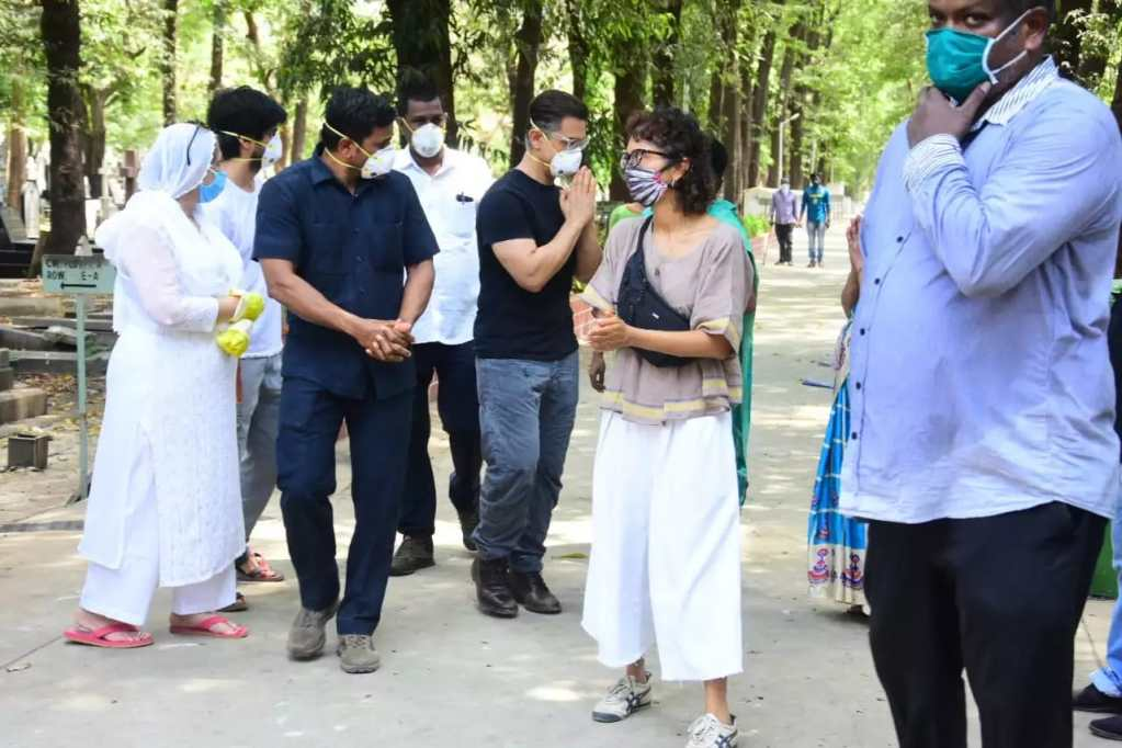 Aamir Khan And Wife Kiran Rao Pays Their Homage To His Late Assistant Amos Paul